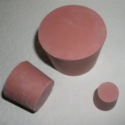Plastové a gumené a drevené zátky
